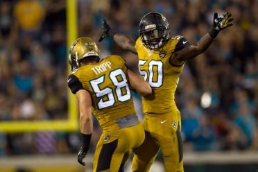 USP NFL: TENNESSEE TITANS AT JACKSONVILLE JAGUARS S FBN USA FL