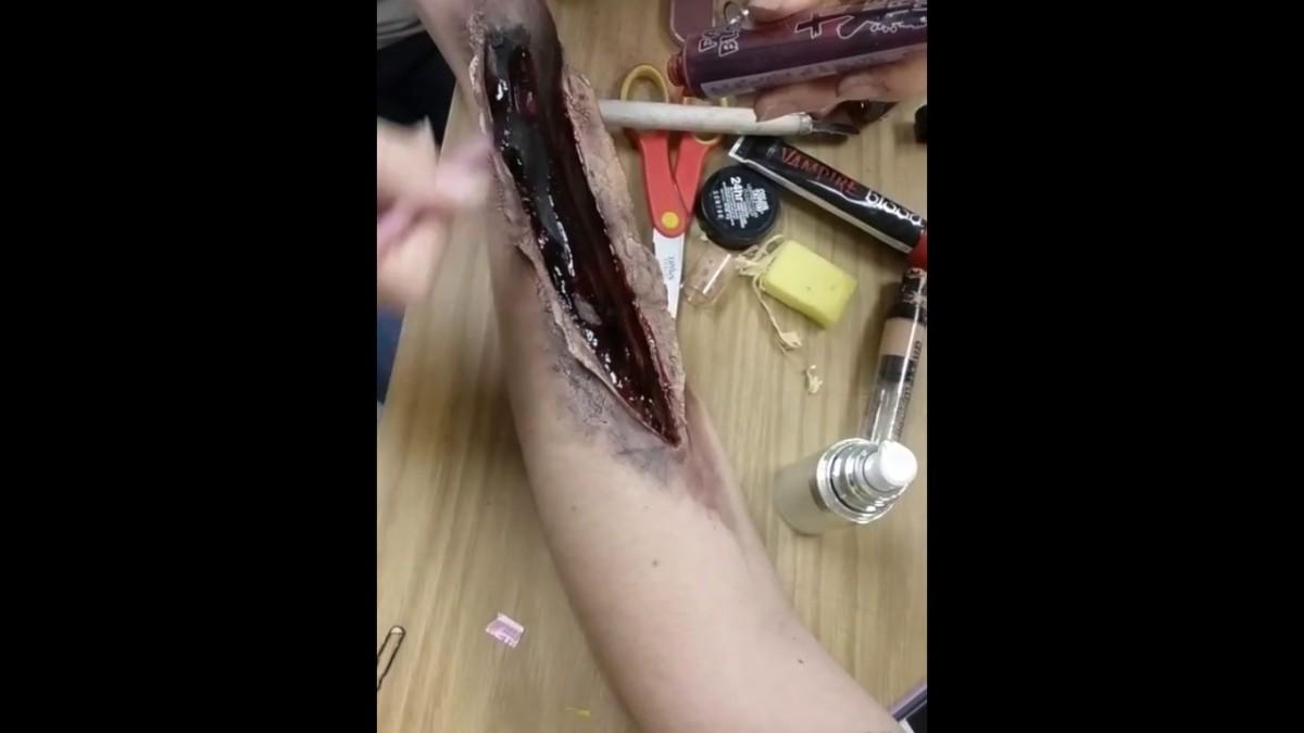 DIY: Horrifying Halloween MakeupII